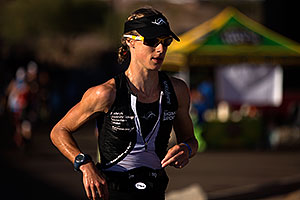 08:58:55 - #83 Corinne Abraham [GBR, 3rd] running in 3rd place at Ironman Arizona 2012