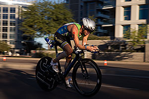 00:59:29 #34 Botond Racz [24th,HUN,09:44:15] cycling at Ironman Arizona 2014