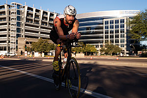 01:03:19 #38 Dominic Rohan-Gates [DNF,GBR,01:05:39 swim] cycling at Ironman Arizona 2014