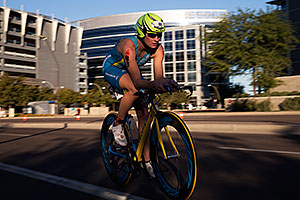 01:06:38 #88 Olesya Prystayko [15th,UKR,10:11:09] cycling at Ironman Arizona 2014