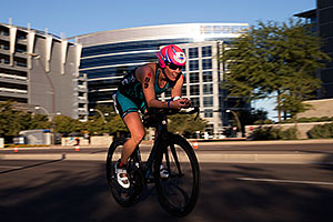01:07:34 #89 Maggie Rusch [16th,USA,10:20:02] cycling at Ironman Arizona 2014