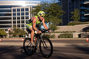 01:12:43 #21 Vincent Depuiset [28th,FRA,09:57:36] cycling at Ironman Arizona 2014