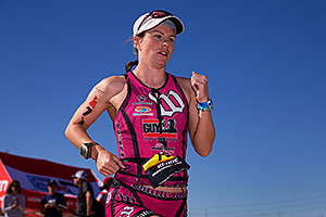 06:34:05 #79 Danielle Kehoe [DNF,USA,01:00:37 swim, 05:26:43 bike] running at Ironman Arizona 2014