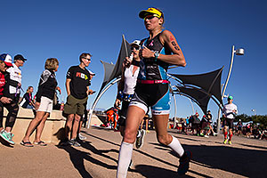08:12:25 #66 Uli Bromme [7th,USA,09:23:37] Running at Ironman Arizona 2014