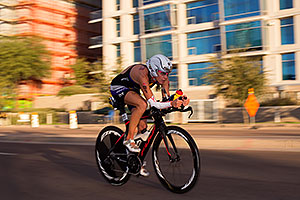 01:00:58 #91 Sarah Haskins [DNF,USA,00:48:29] cycling at Ironman Arizona 2015