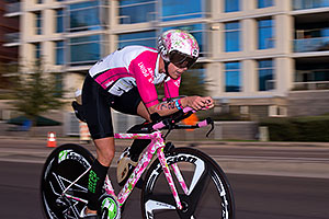 01:05:26 #72 Michwelle Vesterby [5th,DNK,09:11:31] cycling at Ironman Arizona 2015