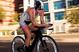 01:10:06 #101 Mackenzie Madison [6th,USA,09:13:13] cycling at Ironman Arizona 2015