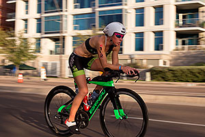 01:14:25 #102 Caroline Martineu [12th,CAN,09:37:18] cycling at Ironman Arizona 2015