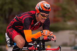 01:32:19 #3016 cycling at Ironman Arizona 2015
