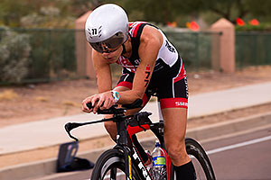 02:52:56 #77 Lisa Roberts [DNF,USA,01:02:48] cycling at Ironman Arizona 2015