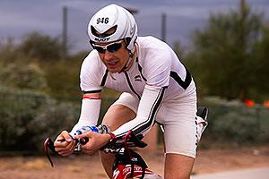 04:37:26 #946 cycling at Ironman Arizona 2015