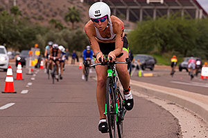04:38:55 #102 Caroline Martineau [12th,CAN,09:37:18] cycling at Ironman Arizona 2015