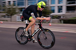 00:58:21 #2086 cycling at Ironman Arizona 2016