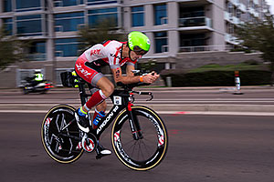 00:53:06 #43 Giulio Molinari [5th,ITA,08:06:47] cycling at Ironman Arizona 2016