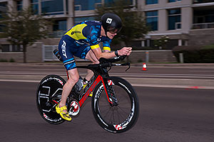 00:57:47 #29 Dylan Gleeson [23rd,CAN,08:47:25] cycling at Ironman Arizona 2016