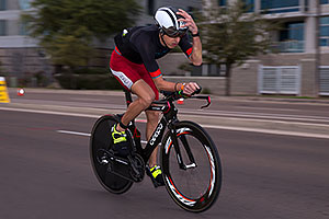 00:59:49 #20 Patrick Bless [27th,DEU,08:55:16] cycling at Ironman Arizona 2016