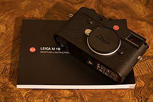 Leica M10 camera and manual