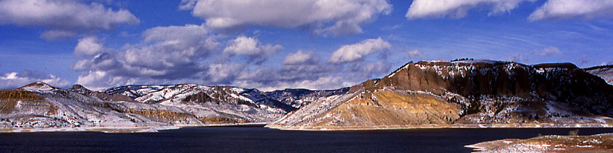 /images/500/2000-12-phx-tor-gunn-lk4-sp.jpg - #00725: lake by Gunnison … Phoenix-Toronto 3,500 mile snow-camping trip … Dec 2000 -- Morrow Point Reservoir, Gunnison, Colorado