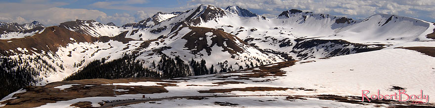 /images/500/2007-06-03-indep-peaks02-sp.jpg - #03840: view of the road and parking lot of Independence Pass at 12,095 ft and Independence Mountain at 12,703 ft … June 2007 -- Independence Mountain, Independence Pass, Colorado