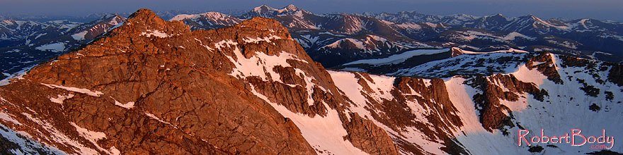 /images/500/2007-06-17-evans-top-mor2-sp.jpg - #03971: morning sun view from Mt Evans … June 2007 -- Mt Evans, Colorado