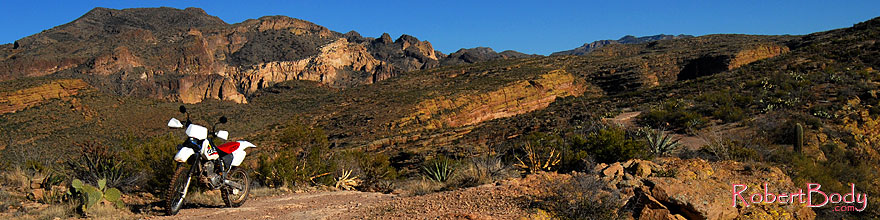 /images/500/2008-02-09-supers-xr-9696sp.jpg - #04772: XR250 in Superstition Mountains … Feb 2008 -- Tortilla Flat Trail, Superstitions, Arizona
