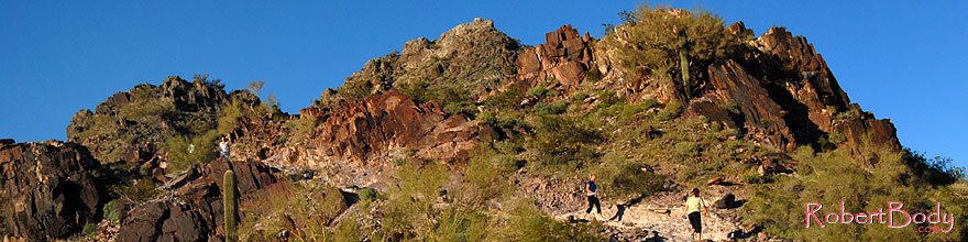 /images/500/2008-03-03-squaw-2464sp.jpg - #04845: Hikers at Squaw Peak Mountain in Phoenix … March 2008 -- Squaw Peak, Phoenix, Arizona