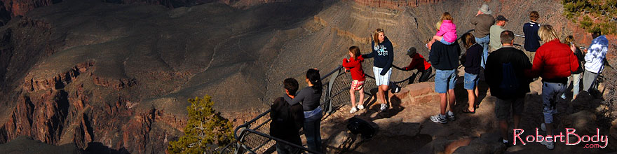/images/500/2008-04-02-gc-yav-8965-sp.jpg - #05046: People enjoying views from Yavapai Point in Grand Canyon … April 2008 -- Yavapai Point, Grand Canyon, Arizona