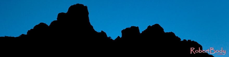 /images/500/2008-09-01-supers-mtn-silh-23231sp.jpg - #05804: Mountain Silhouettes of Superstitions … September 2008 -- Apache Trail Road #2, Superstitions, Arizona