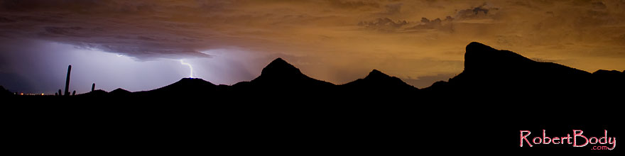/images/500/2008-09-10-supers-light-yellow-24923sp.jpg - #05858: Lightning in Superstitions … September 2008 -- Superstitions, Arizona