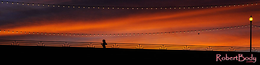 /images/500/2008-11-12-tempe-bridge-46264sp.jpg - 06112: Runner at sunset on Mill Road bridge over Tempe Town Lake … November 2008 -- Tempe Town Lake, Tempe, Arizona