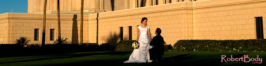 /images/500/2008-12-27-mesa-temple-brides-68023sp.jpg - #06617: Bride and Groom at Mesa Arizona Temple … December 2008 -- Mesa Arizona Temple, Mesa, Arizona