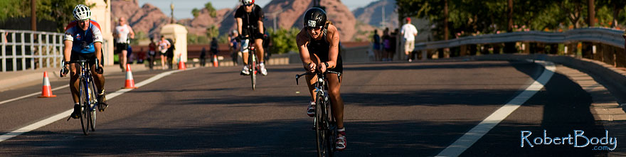 /images/500/2009-09-27-nathan-tri-cycle-114236sp.jpg - #07471: 01:46:23 - #702 cycling at Nathan Triathlon … September 2009 -- Tempe Town Lake, Tempe, Arizona