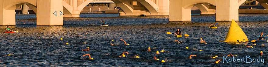 /images/500/2009-09-27-nathan-tri-swim-113894sp.jpg - #07497: 00:40:59 - Swimmers at Nathan Triathlon … September 2009 -- Tempe Town Lake, Tempe, Arizona