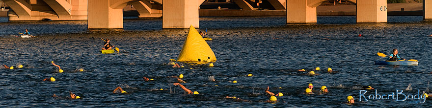 /images/500/2009-09-27-nathan-tri-swim-113897sp.jpg - #07499: 00:41:11 - Swimmers at Nathan Triathlon … September 2009 -- Tempe Town Lake, Tempe, Arizona