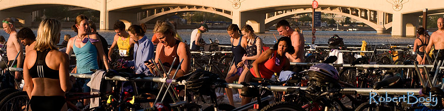 /images/500/2009-10-11-pbr-off-tri-115080sp.jpg - #07532: 20 minutes before the race - PBR Offroad Triathlon, Oct 11, 2009 at Tempe Town Lake … October 2009 -- Tempe Town Lake, Tempe, Arizona