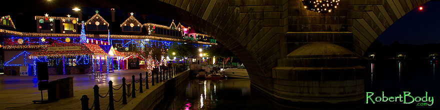 /images/500/2010-12-13-havasu-bridge-46785sp.jpg - #08978: Christmas at London Bridge in Lake Havasu City … December 2010 -- London Bridge, Lake Havasu City, Arizona