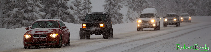 /images/500/2010-12-20-loveland-cars-47236sp.jpg - #08998: BMW, Jeep Cherokee and snow by Loveland Pass … December 2010 -- Loveland Pass, Colorado
