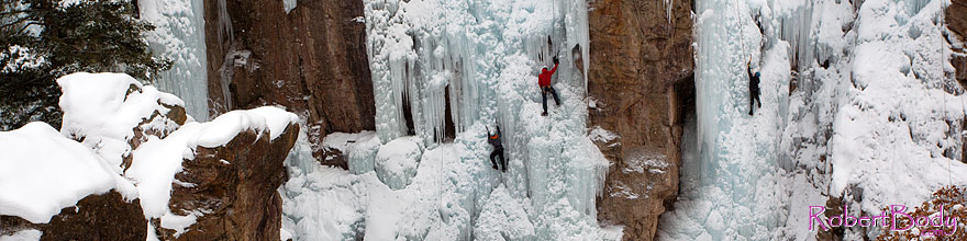 /images/500/2011-01-09-ouray-climbers-48429sp.jpg - #09044: Ice climbing by Ouray … January 2011 -- Ouray, Colorado