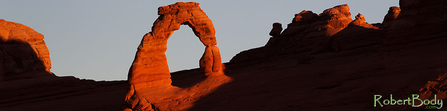 /images/500/2013-11-06-delicate-back-1d4_3439sp.jpg - #11260: Delicate Arch in Arches National Park … November 2013 -- Delicate Arch, Arches Park, Utah