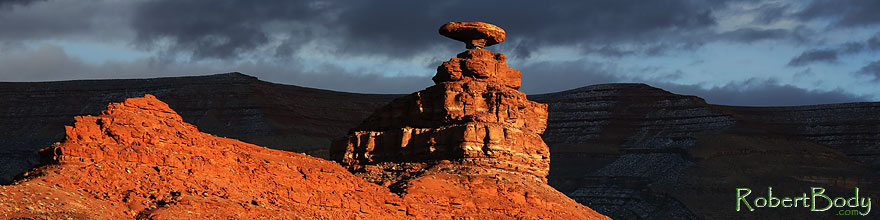/images/500/2013-12-21-mexican-hat-5d3_6087sp.jpg - #11423: Evening at Mexican Hat, Utah … December 2013 -- Mexican Hat, Utah